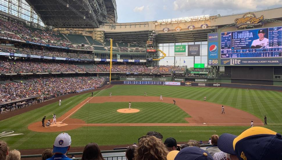 Miller Park,  Vak <strong>103</strong>, Rij <strong>M</strong>, Stoel <strong>15</strong>