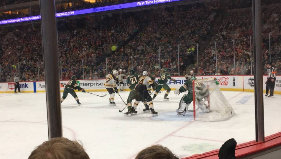 Xcel Energy Center,  Vak <strong>Orchestra L</strong>, Rij <strong>J</strong>, Stoel <strong>19</strong>