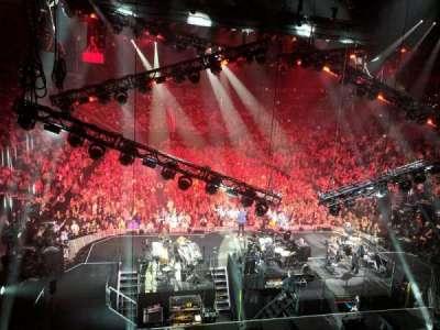 T-Mobile Arena, vak: 20, rij: W, stoel: 16