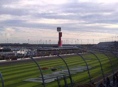 Daytona International Speedway, vak: Campbell Box K, rij: 14