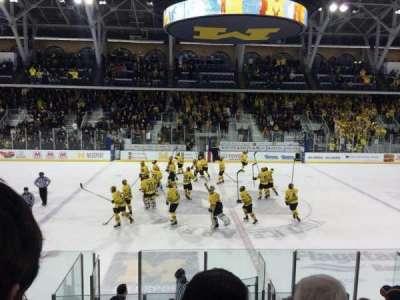 Yost Ice Arena, vak: 4, rij: 12, stoel: 10