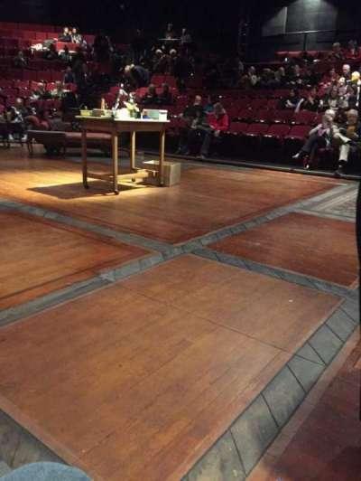 Circle in the Square Theatre, vak: Orchestra, rij: A, stoel: 240
