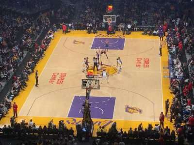 Staples Center, vak: 309, rij: 5, stoel: 5
