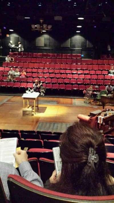 Circle in the Square Theatre, vak: Orchestra, rij: G, stoel: 221