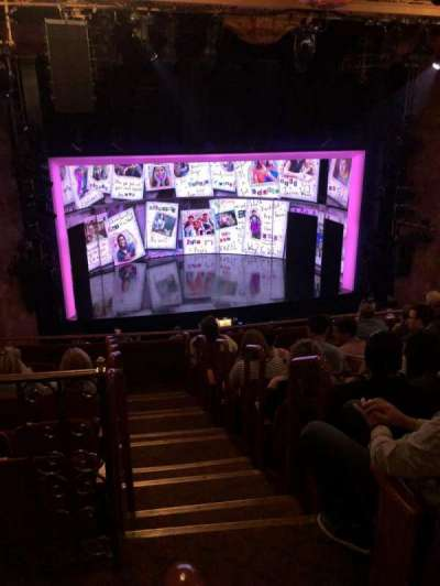 August Wilson Theatre, vak: MezzL, rij: H, stoel: 1