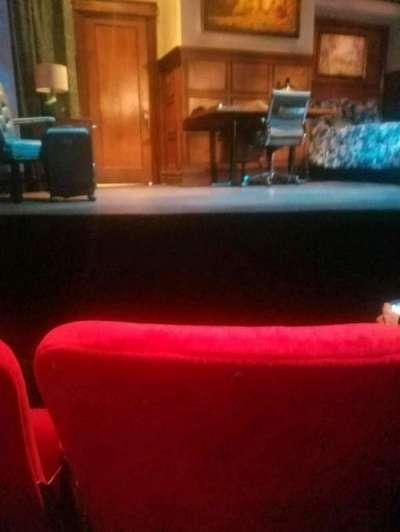 Lucille Lortel Theatre, vak: orch, rij: b, stoel: 108