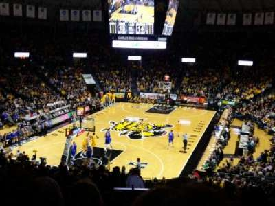 Charles Koch Arena, vak: 115, rij: 29