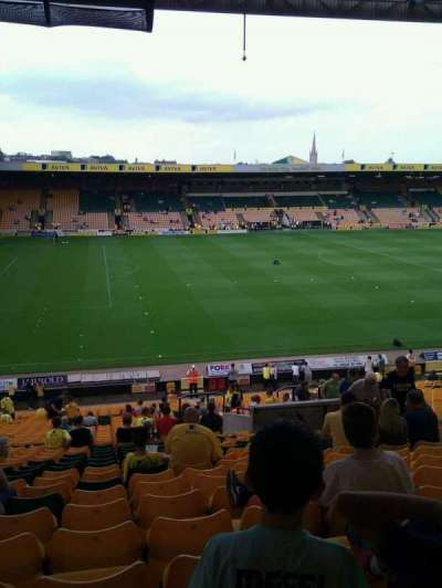 Carrow Road, vak: M