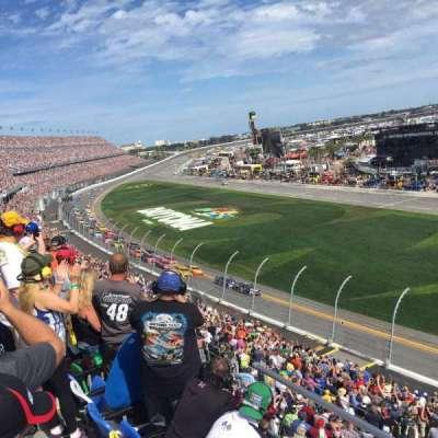 Daytona International Speedway, vak: 364, rij: 3, stoel: 27