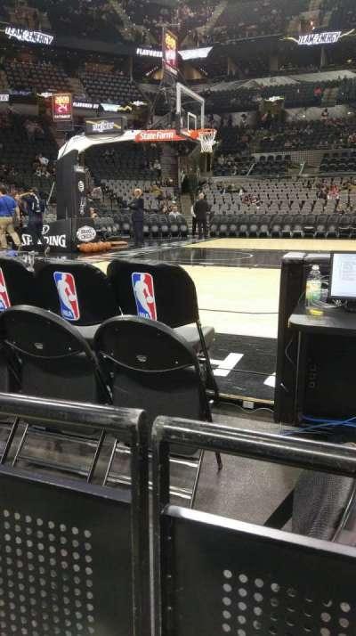 AT&T Center, vak: 10, rij: 4, stoel: 6