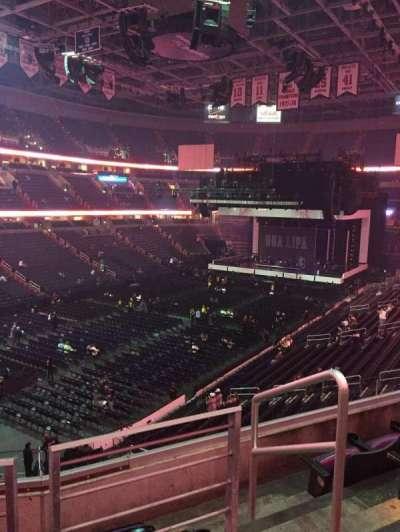 Capital One Arena, vak: 210, rij: D, stoel: 9