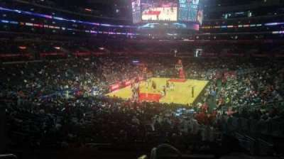 Staples Center, vak: 215, rij: 6, stoel: 3