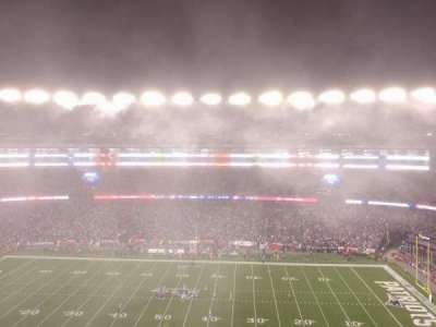 Gillette Stadium, vak: 330, rij: 3, stoel: 2