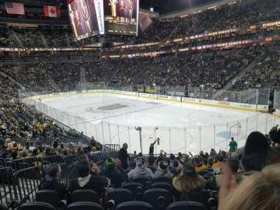 T-Mobile Arena, vak: 319, rij: T, stoel: 4