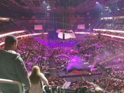 T-Mobile Arena, vak: 213, rij: J, stoel: 1