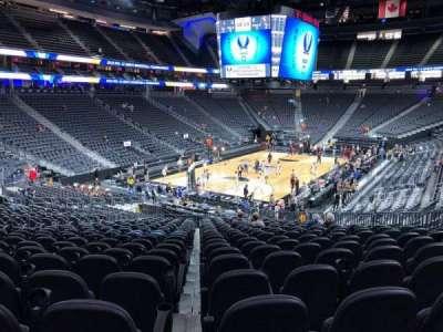 T-Mobile Arena, vak: 2, rij: W, stoel: 13