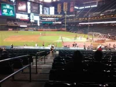 Chase Field, vak: 127, rij: 30, stoel: 19