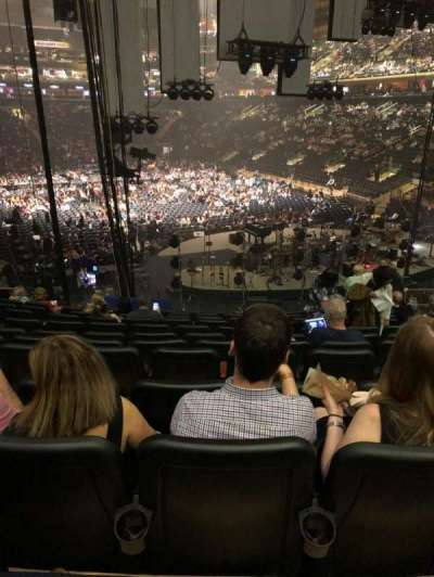 Madison Square Garden, vak: 111, rij: 17, stoel: 13