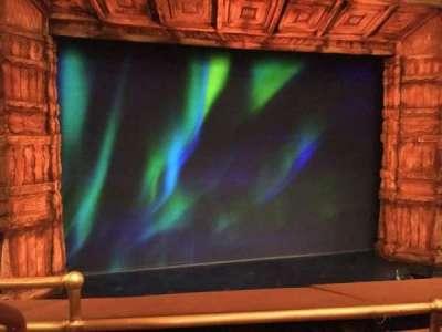 St. James Theatre, vak: MEZZC, rij: B, stoel: 115