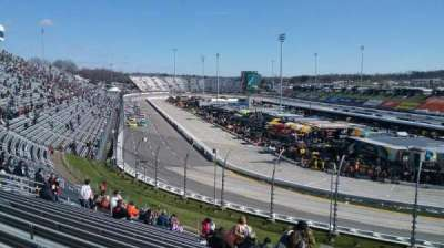 Martinsville Speedway, vak: DD, rij: 25, stoel: 1