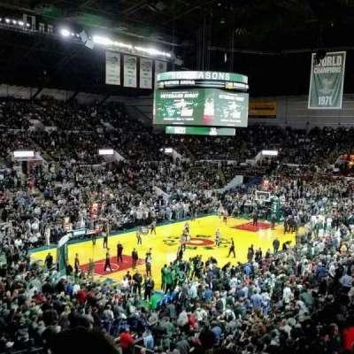 UW-Milwaukee Panther Arena, vak: 329, rij: 11, stoel: 16