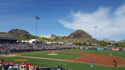 Tempe Diablo Stadium, vak: 18, rij: V, stoel: 11