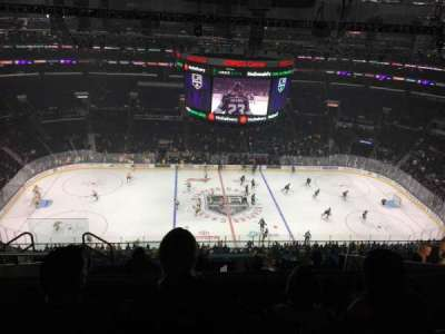 Staples Center, vak: 318, rij: 10, stoel: 30