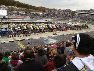 Martinsville Speedway, vak: H, rij: 42, stoel: 22