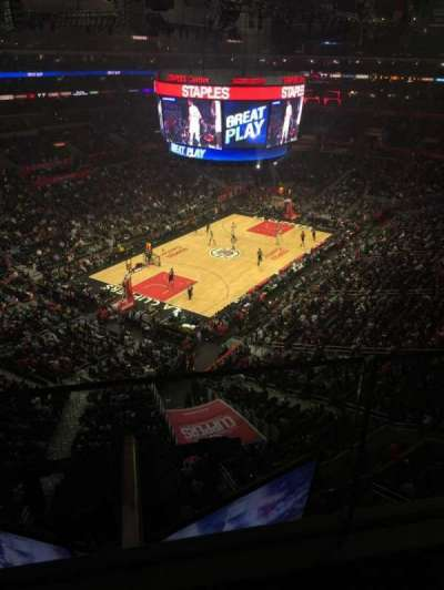 Staples Center, vak: 306, rij: 1, stoel: 6