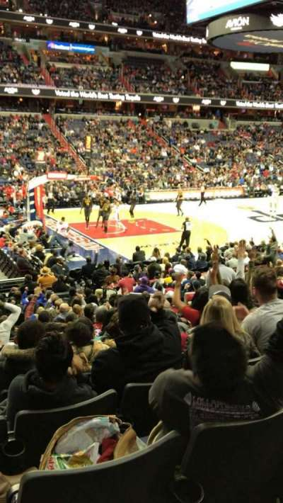 Capital One Arena, vak: 109, rij: Q, stoel: 11