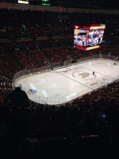 Honda Center, vak: 439, rij: s, stoel: 14
