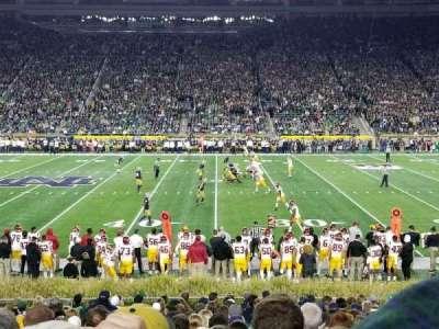 Notre Dame Stadium, vak: 9, rij: 27, stoel: 14