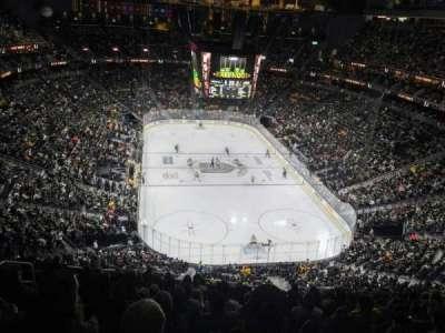 T-Mobile Arena, vak: 213, rij: M, stoel: 7