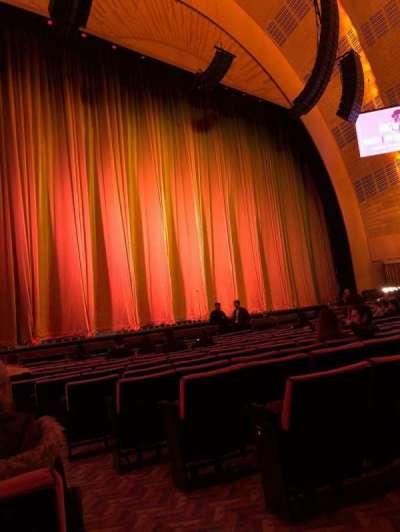 Radio City Music Hall, vak: Orchestra 6, rij: OO, stoel: 601