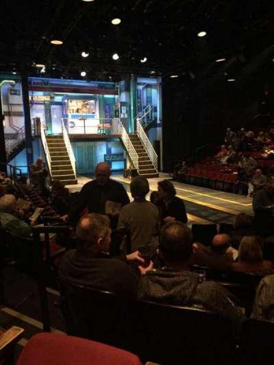 Circle in the Square Theatre, vak: Orch, rij: E, stoel: 121