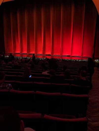 Radio City Music Hall, vak: Orch, rij: UU, stoel: 301