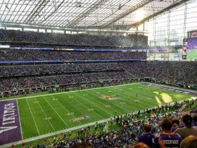 U.S. Bank Stadium, vak: 215, rij: 6, stoel: 13
