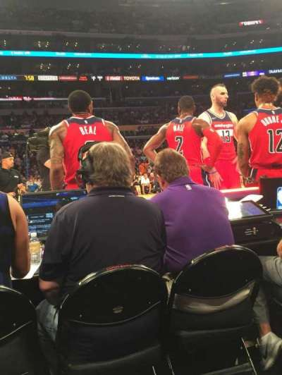 Staples Center, vak: 101, rij: A, stoel: 16-17