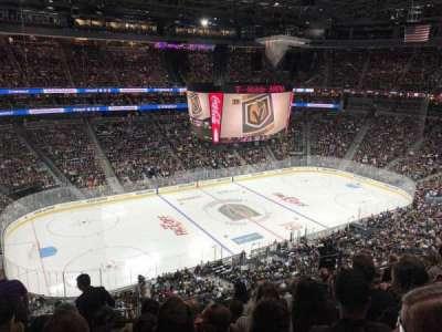 T-Mobile Arena, vak: 202, rij: G, stoel: 3