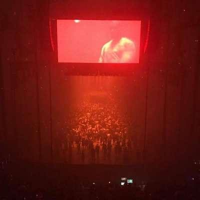 T-Mobile Arena, vak: 100, rij: A, stoel: 8