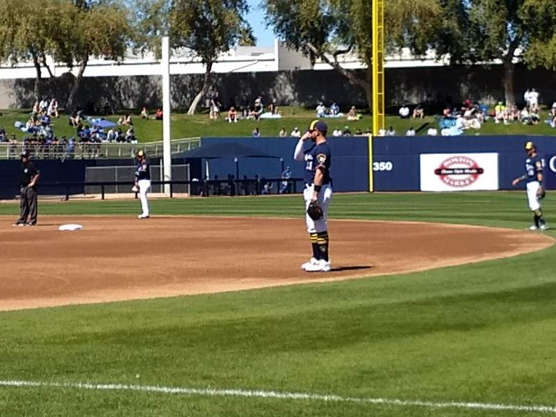 Maryvale Baseball Park, vak: 115, rij: b, stoel: 16