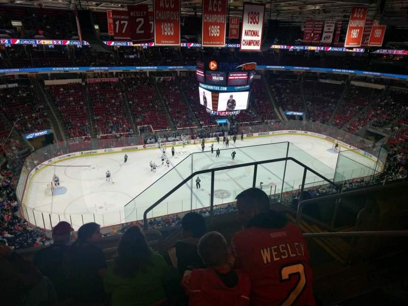 PNC Arena, vak: 326, rij: F, stoel: 3
