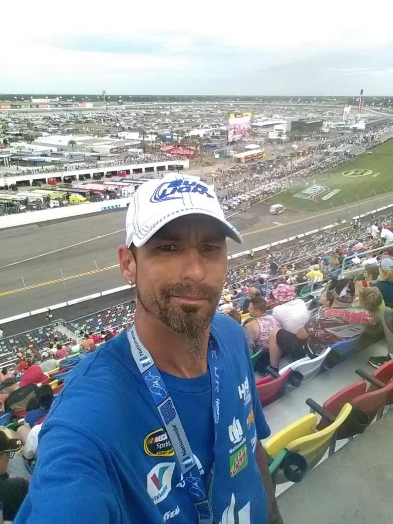 Daytona International Speedway, vak: 410, rij: 36, stoel: 3