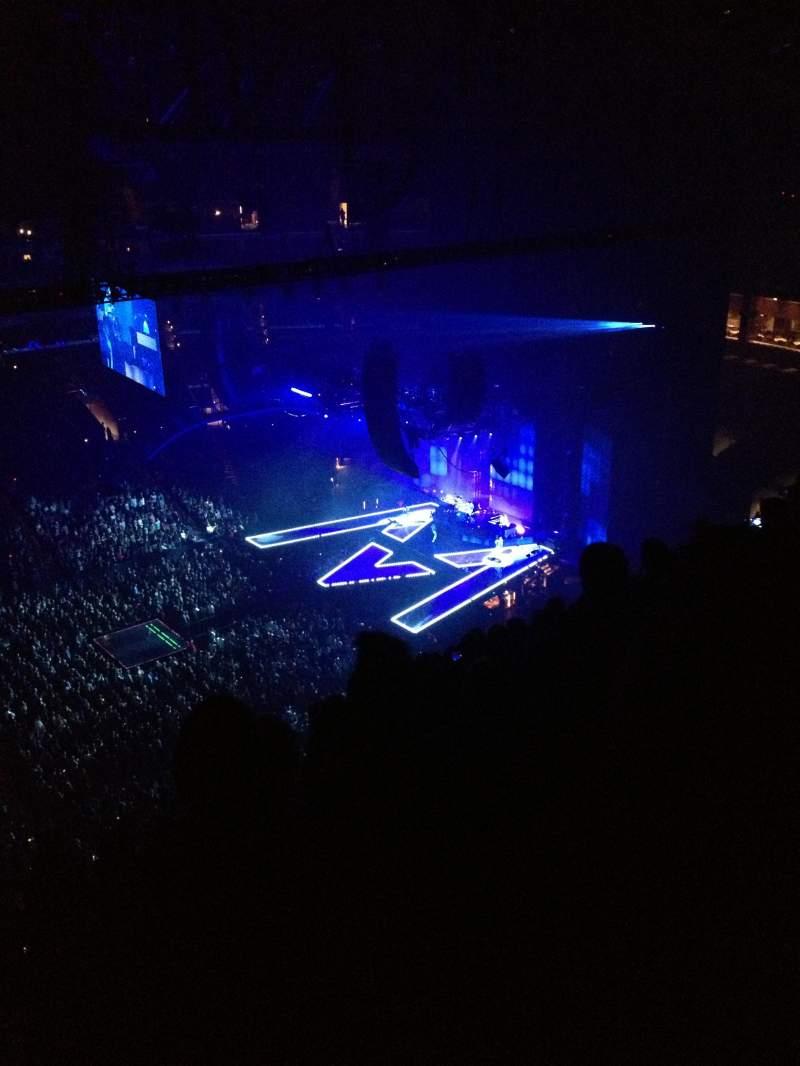 Staples Center, vak: 303, rij: 13, stoel: 12
