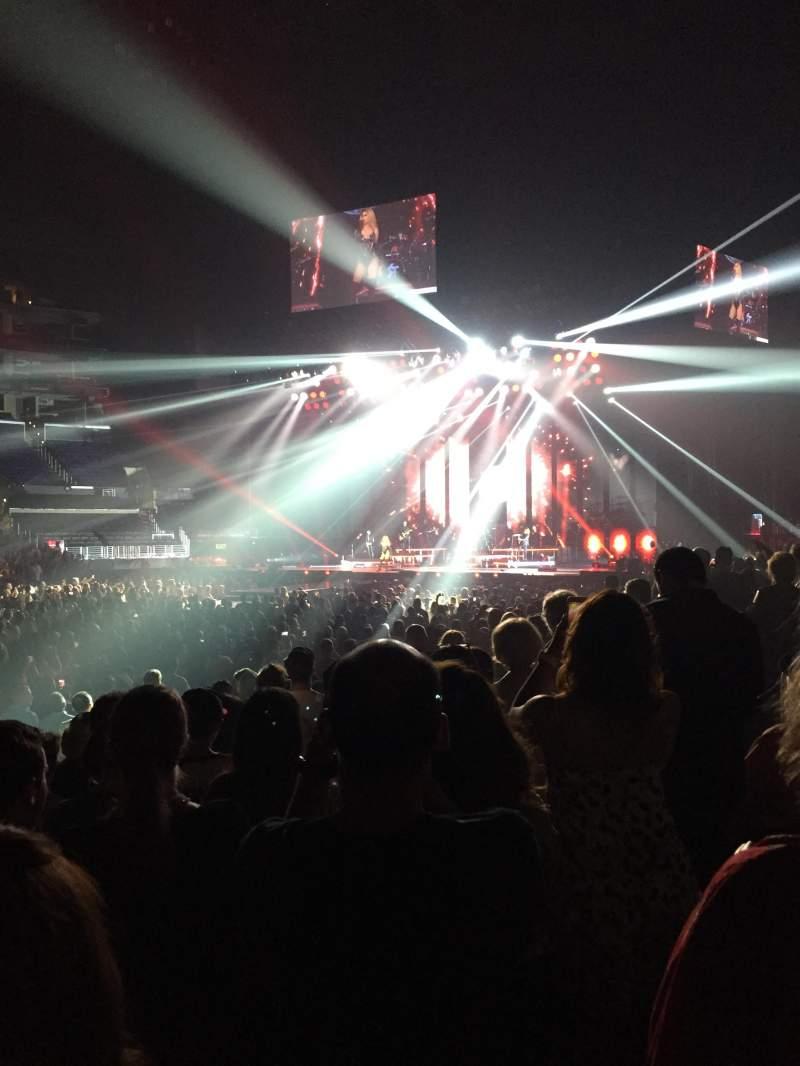 Staples Center, vak: 102, rij: 9, stoel: 13