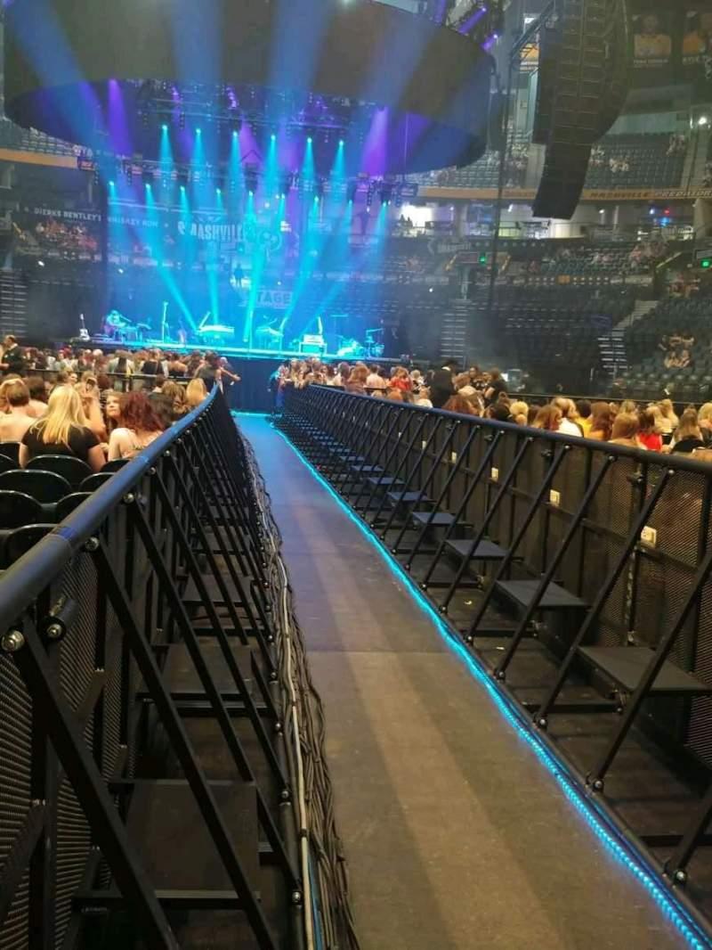 Bridgestone Arena, vak: Section 5, rij: 23, stoel: 1