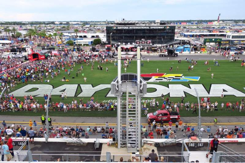 Daytona International Speedway, vak: 351, rij: 4, stoel: 11