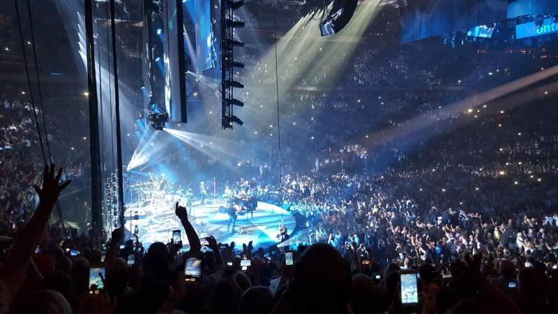 Madison Square Garden, vak: 114, rij: 19, stoel: 20