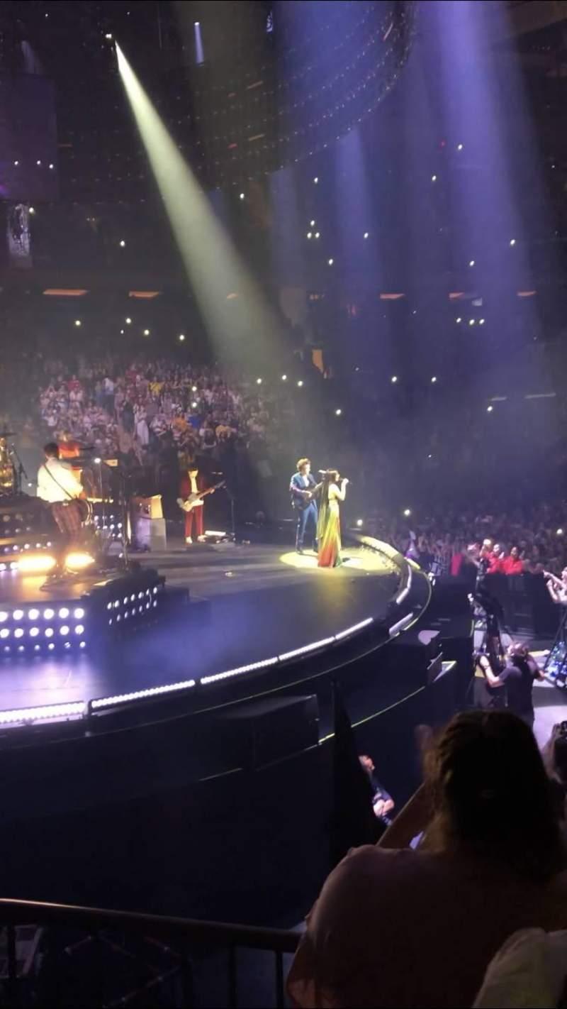 Madison Square Garden, vak: 115, rij: 6, stoel: 1