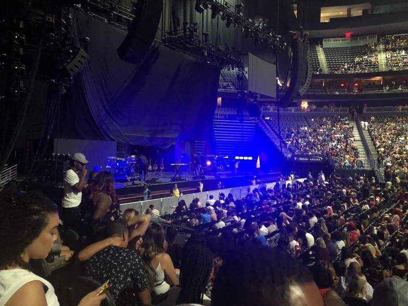 T-Mobile Arena, vak: 4, rij: D, stoel: 11